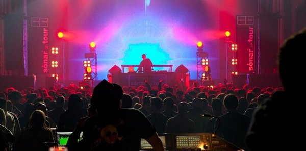 Circo Loco New Years Day Party