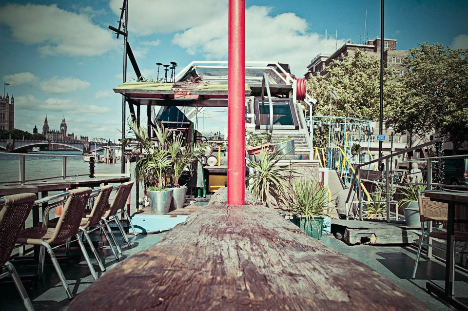 Tamesis Dock Floating Bar London Albert Embankment Bar