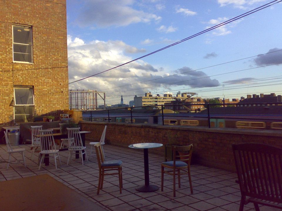 Platform caf bar terrace hackney london for The terrace cafe bar
