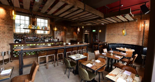 nosh and quaff bar review birmingham drinks