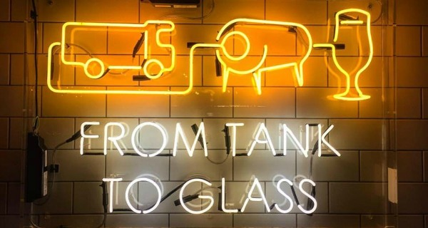 Tank and Paddle London Review Pizza and Beer