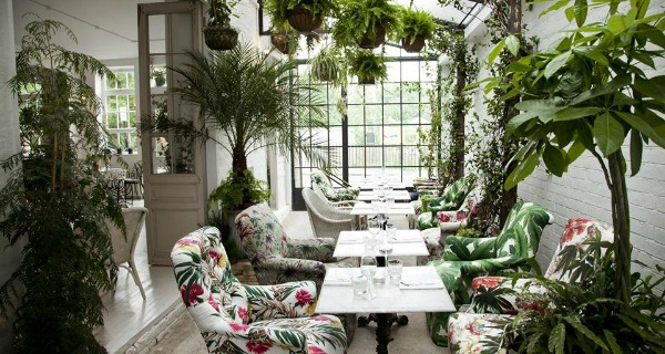 Bourne and Hollingsworth Restaurant Review