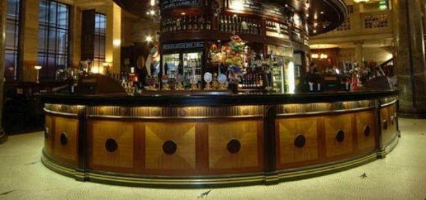 Crosse keys Pub JD Wetherspoon City of London