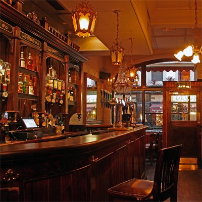 The Queens Head Piccadilly Soho London Pub Reviews