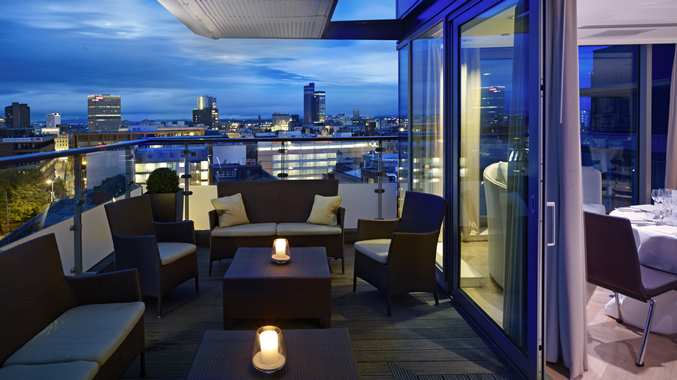 Skylounge At Doubletree Piccadilly Manchester Bar