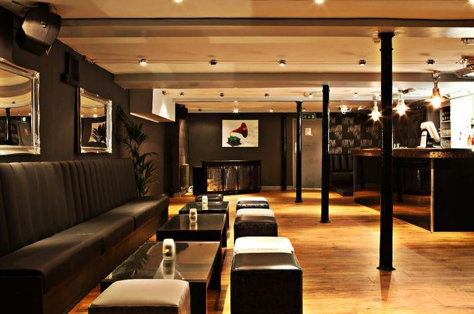 Stirlings Bar and Lounge