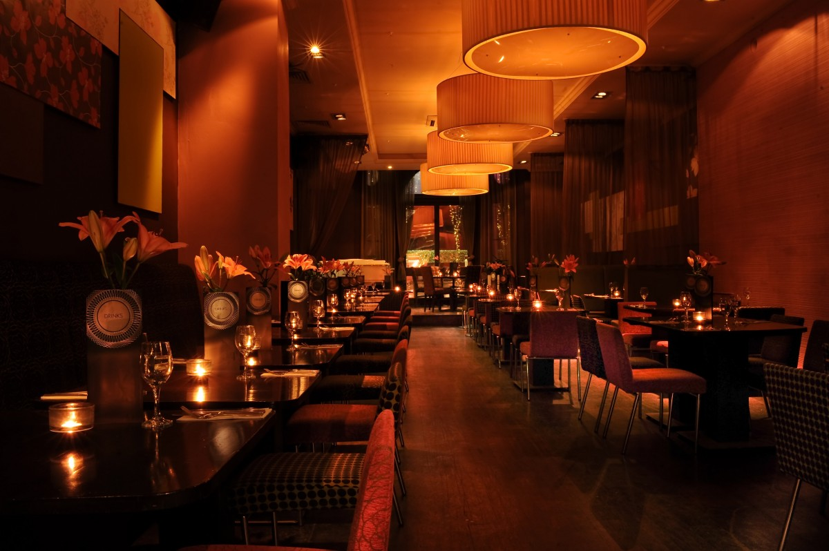 Ruby blue bar london book online leicester square london for Design restaurants club