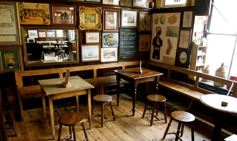 Jw lennon 39 s kemptown brighton pub review designmynight - Decoracion de pub ...
