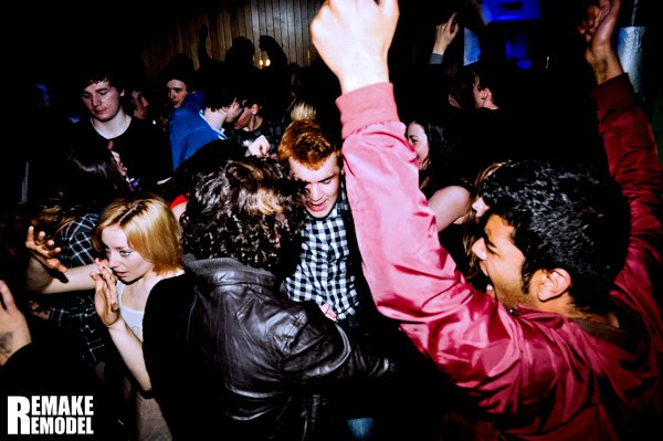 Dating-Partys in Manchester Wie kann ich mich mit einem Typen auf einer Party anstecken?