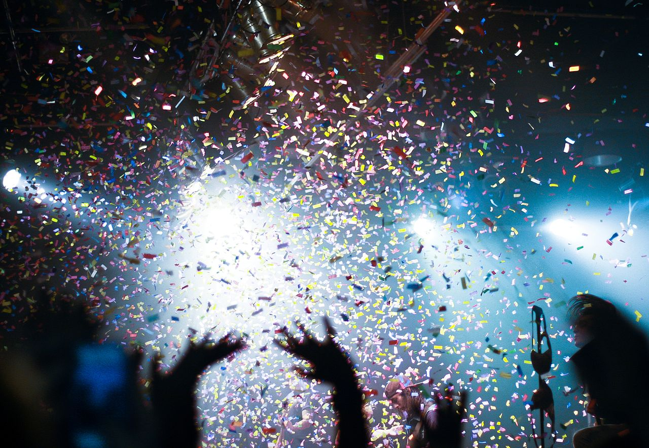 the new year s confetti blast kings cross london new years eve