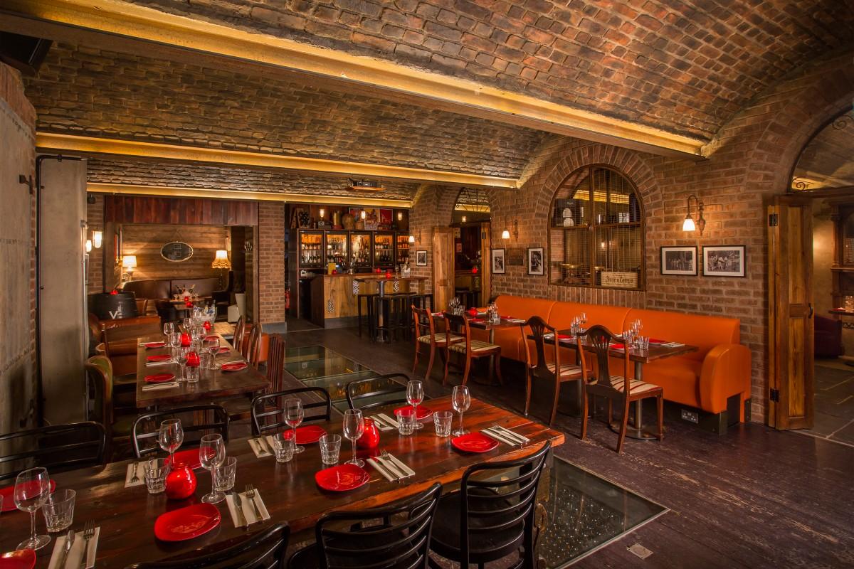 Camino blackfriars basement bar london bar reviews for Copa de cava