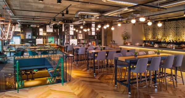 Drake and Morgan at King's Cross Prime Pancras Square spot for Chain's ninth opening