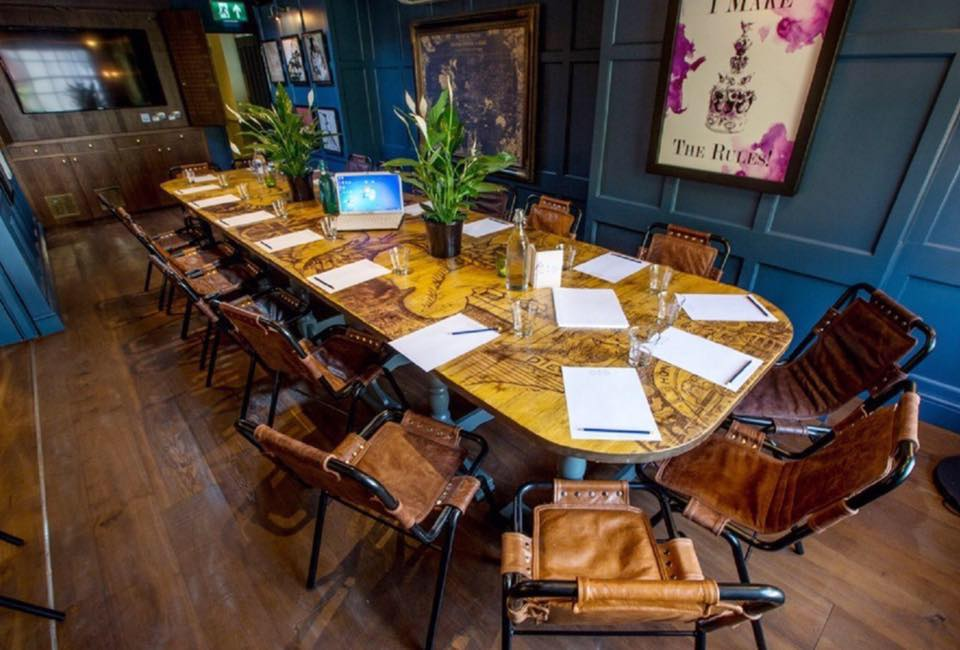 pub meeting room Conference rooms and small meeting rooms are available to members at no  charge on a space-available basis contact the front desk coordinator to inquire.