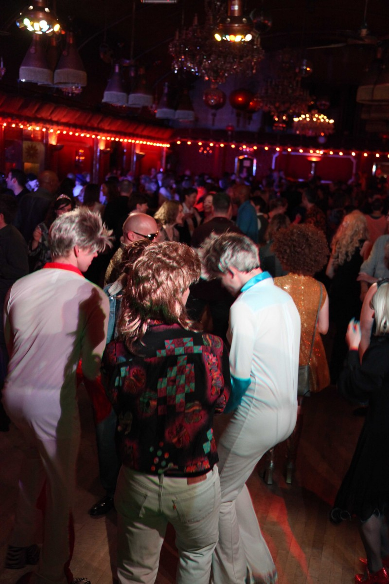 ROUGES CHRISTMAS 70'S & 80'S DISCO AND FUNK
