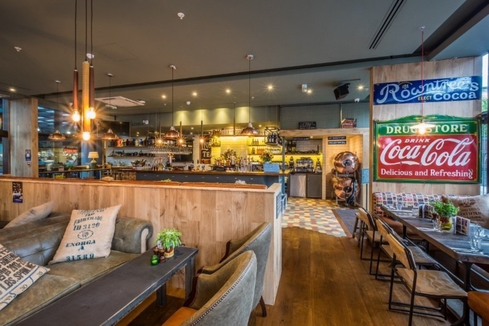 The Grocer Spitalfields Pub London   London Restaurant