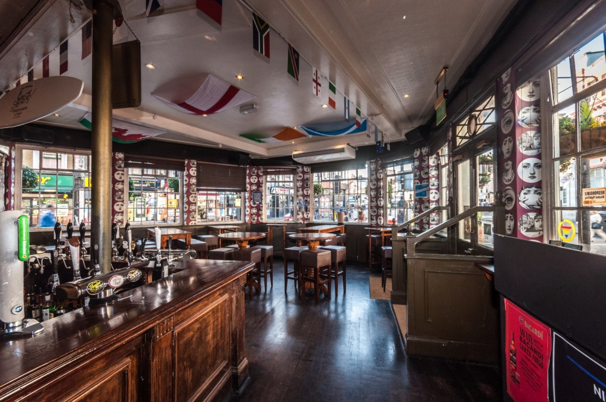Pub and room hire for a birthday london private hire for Best private dining rooms west end london