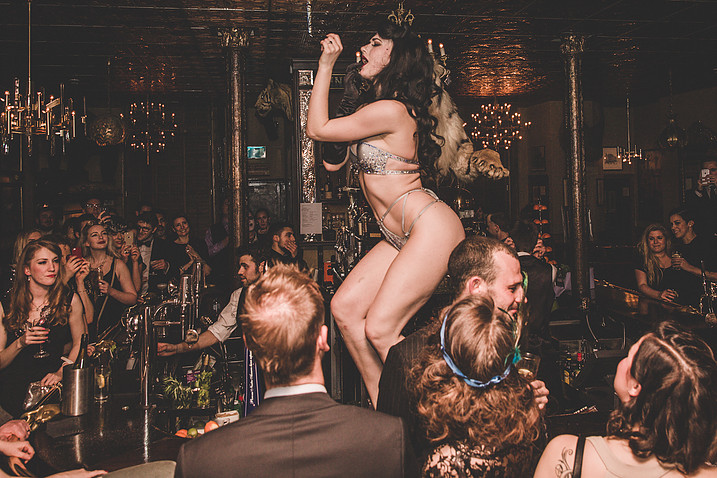 GIN HOUSE BURLESQUE - The new age Revue