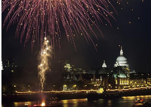 guide new years eve events in london 2018 designmynight