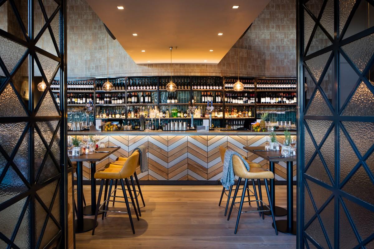 the pagination canary wharf london bar reviews designmynight