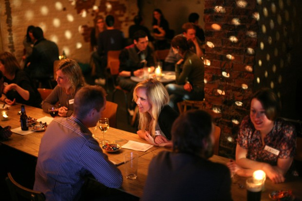 Meet More People More Quickly With a Corporate Speed Dating Icebreaker