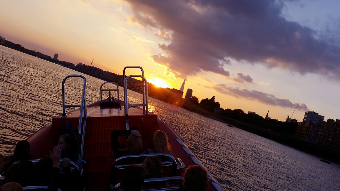 Thames Rockets, Thames Lates