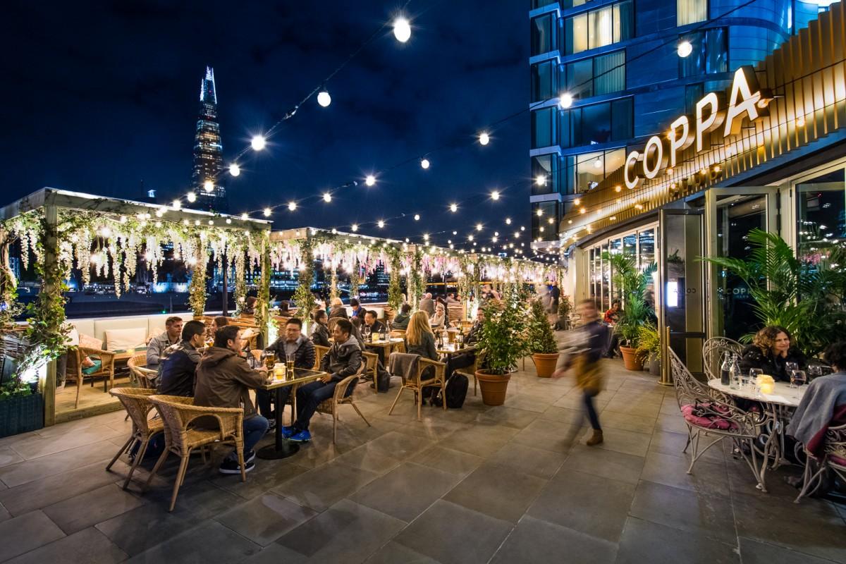 Restaurants Along Oxford Street