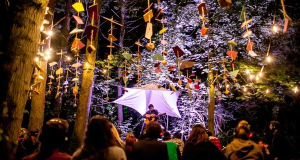 10 BEST FESTIVALS UK IN THE WOODS