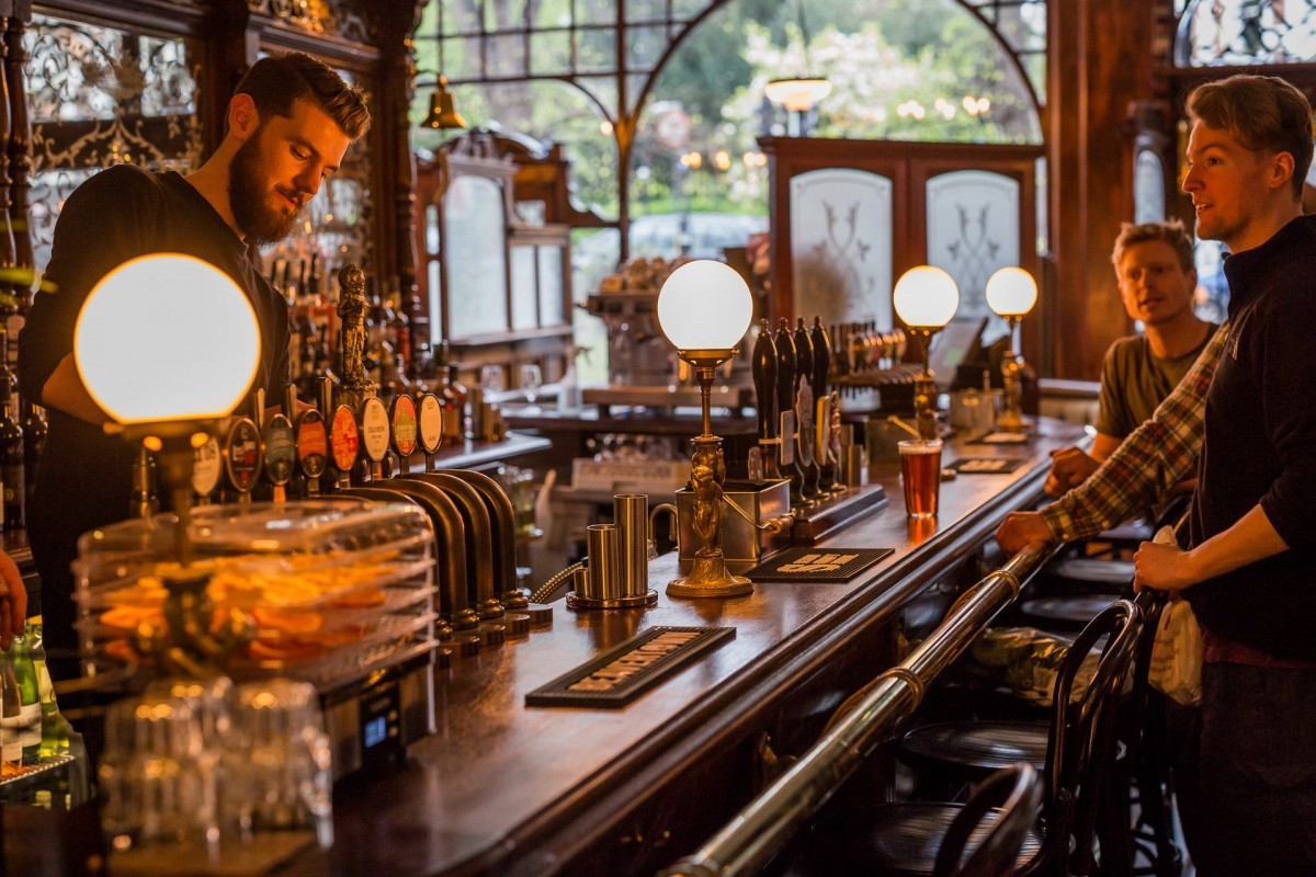 Craft beer tasting the great northern railway tavern for Craft beer tour london