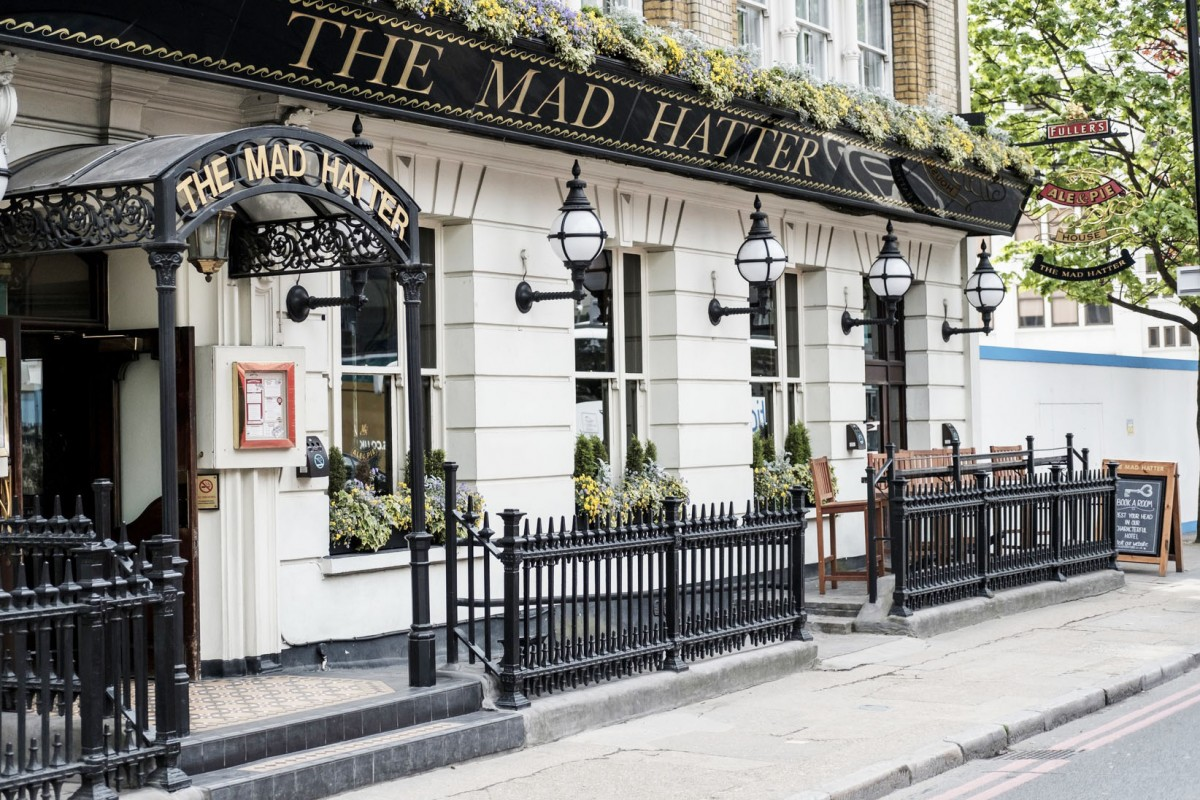 The mad hatter hotel southwark london pub reviews for Design hotel londra