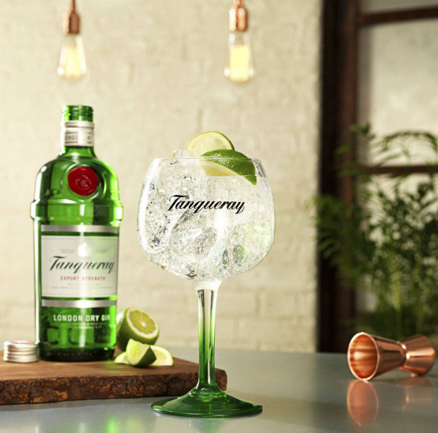 TANQUERAY TABLE : GIN & DINE CLUB