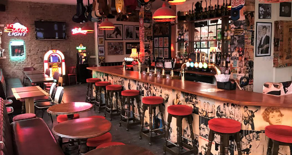 Be-Bop-A-Lula Stoke Newington's new rock 'n' roll bar brings back the 1950s with jukeboxes and American diner food