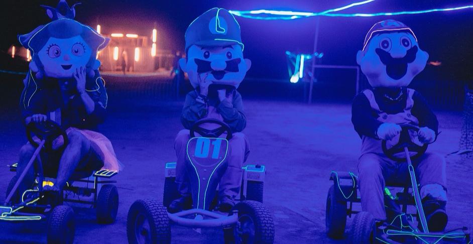 Christmas Mario Kart.Human Sized Mario Karts Vs Nightmare Before Christmas
