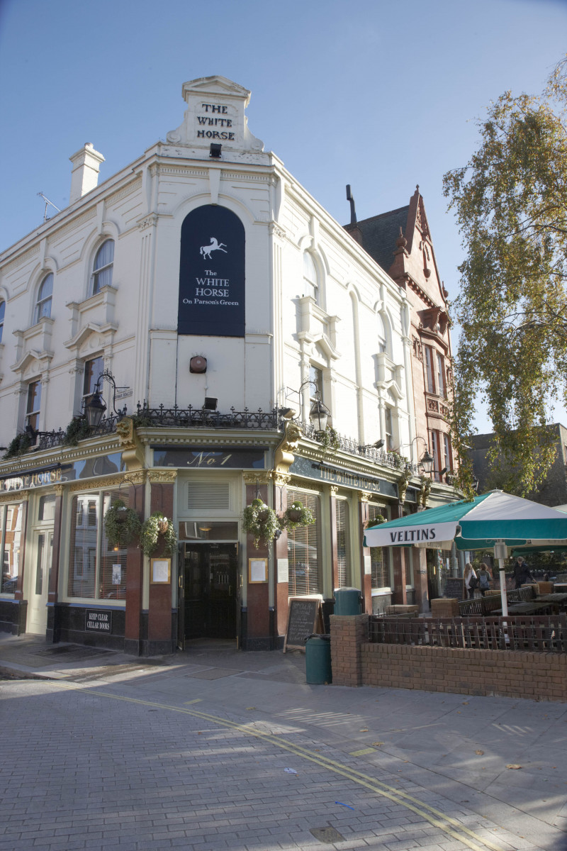The White Horse Parsons Green   London Pub Review   DesignMyNight