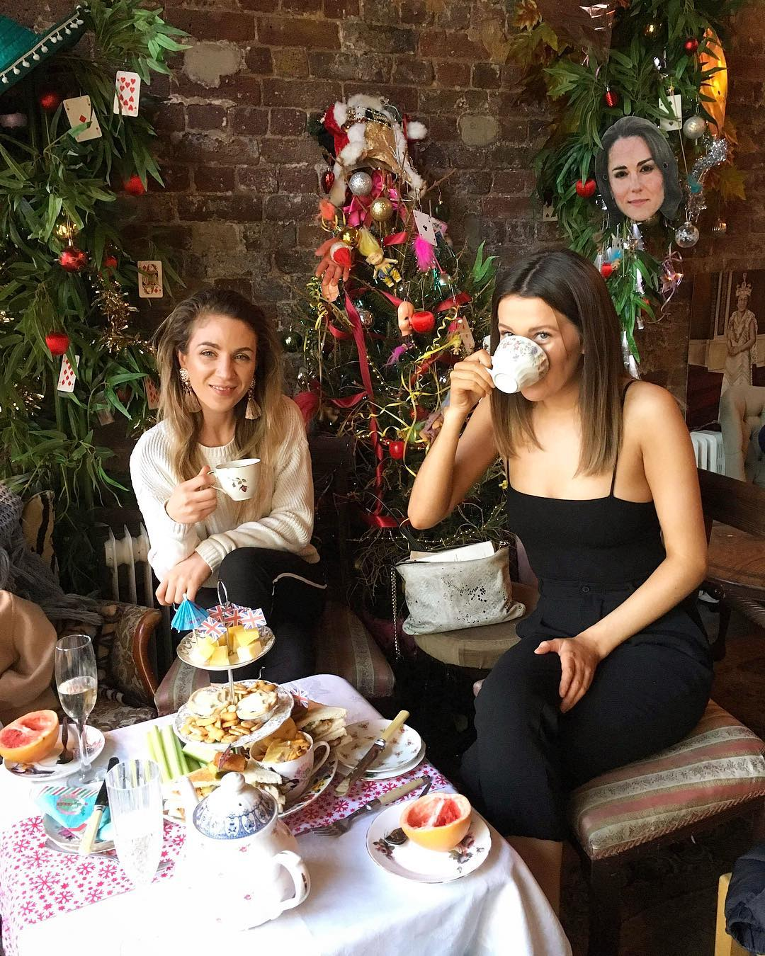 Easter Bottomless Boozy Brunch round Stockwell