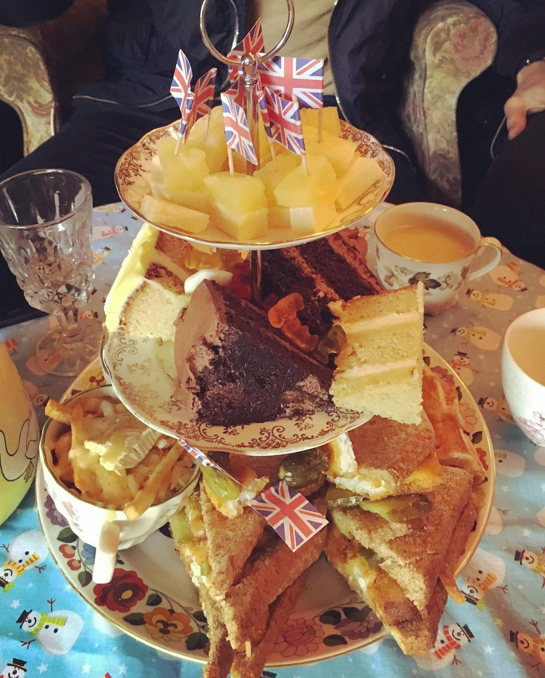 Bottomless Boozy Brunch round Little Nan's Stockwell