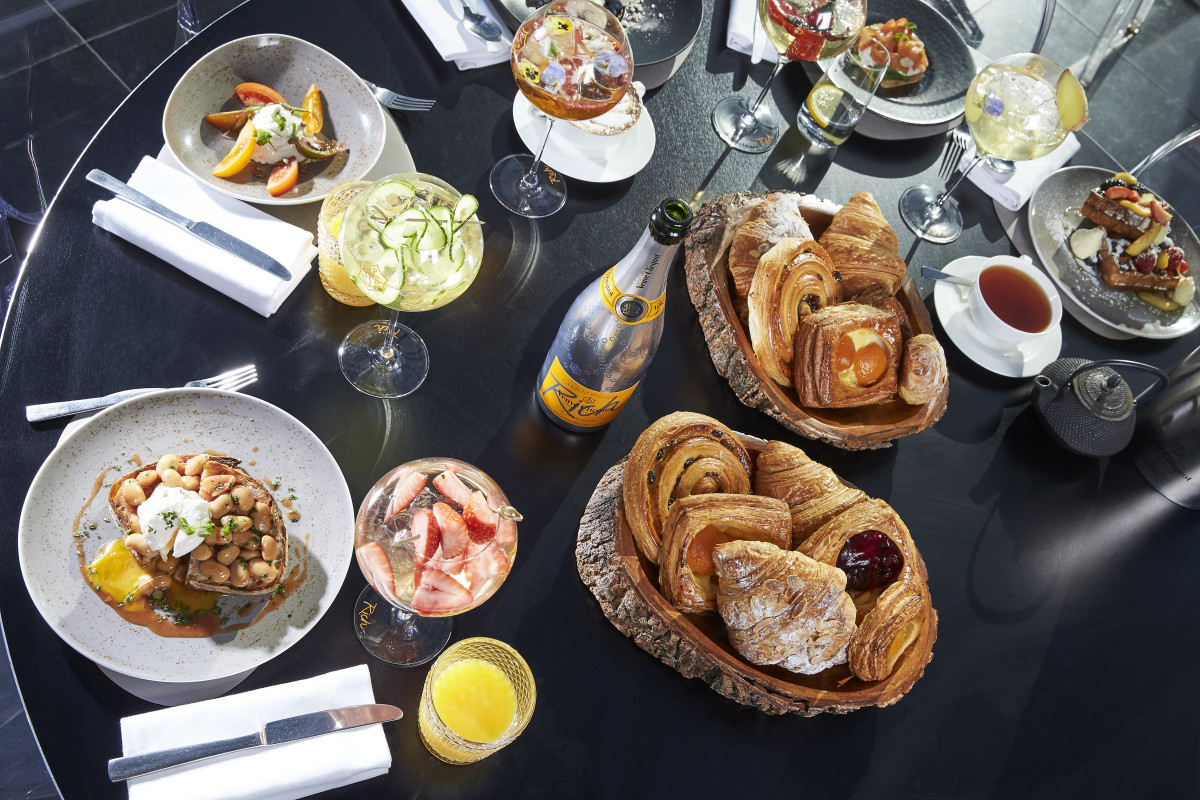 VEUVE CLICQUOT RICH BRUNCH