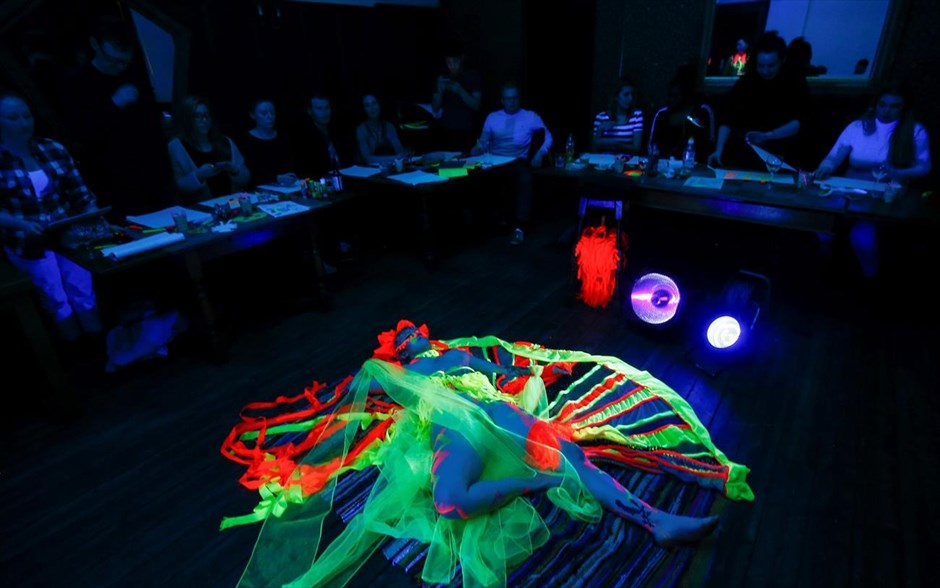 Broadgate Host Neon Naked Life Drawing Class!