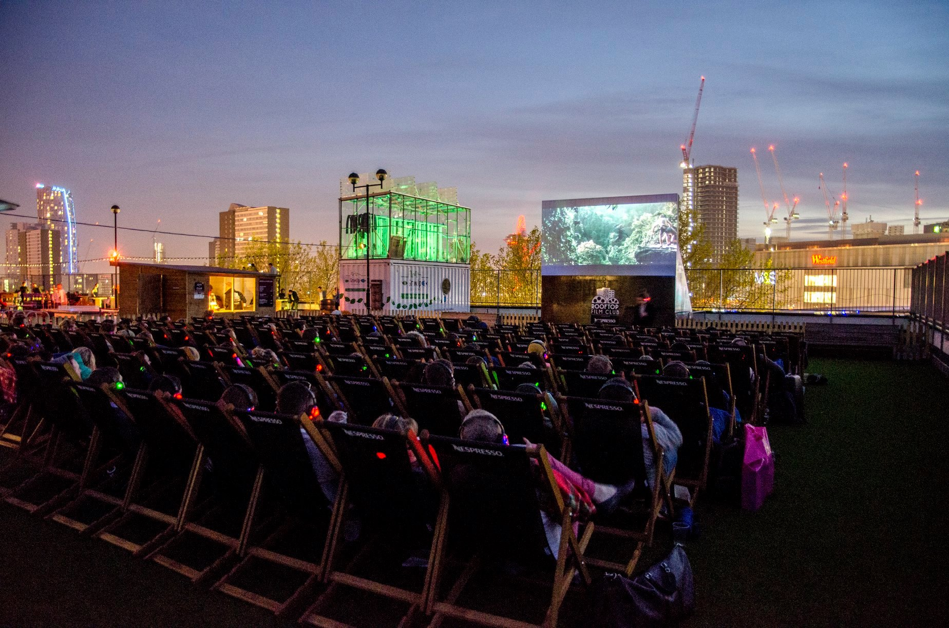 Bucket List Films Must See Movies Rooftop Film Club >> Our Guide To London S Best Outdoor Cinemas Designmynight