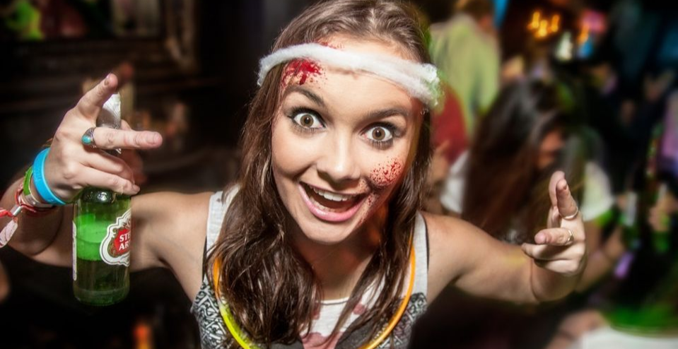 London's Biggest Halloween Zombie Pub Crawl