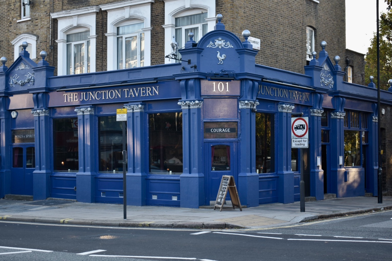 The Junction Tavern