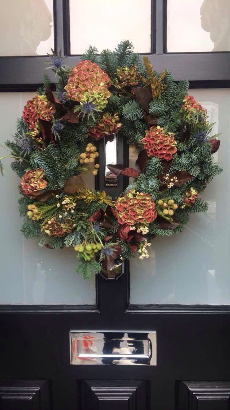 Luxury Christmas Wreath Making with Mulled Wine & Mince Pies