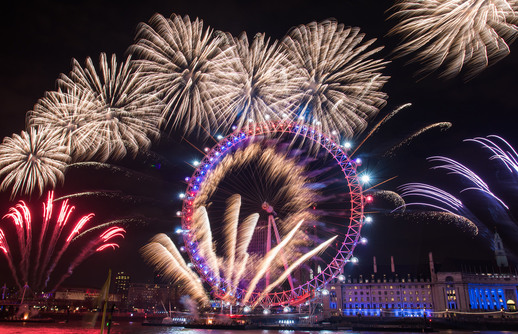 best new years eve boat parties in london 2018 designmynight