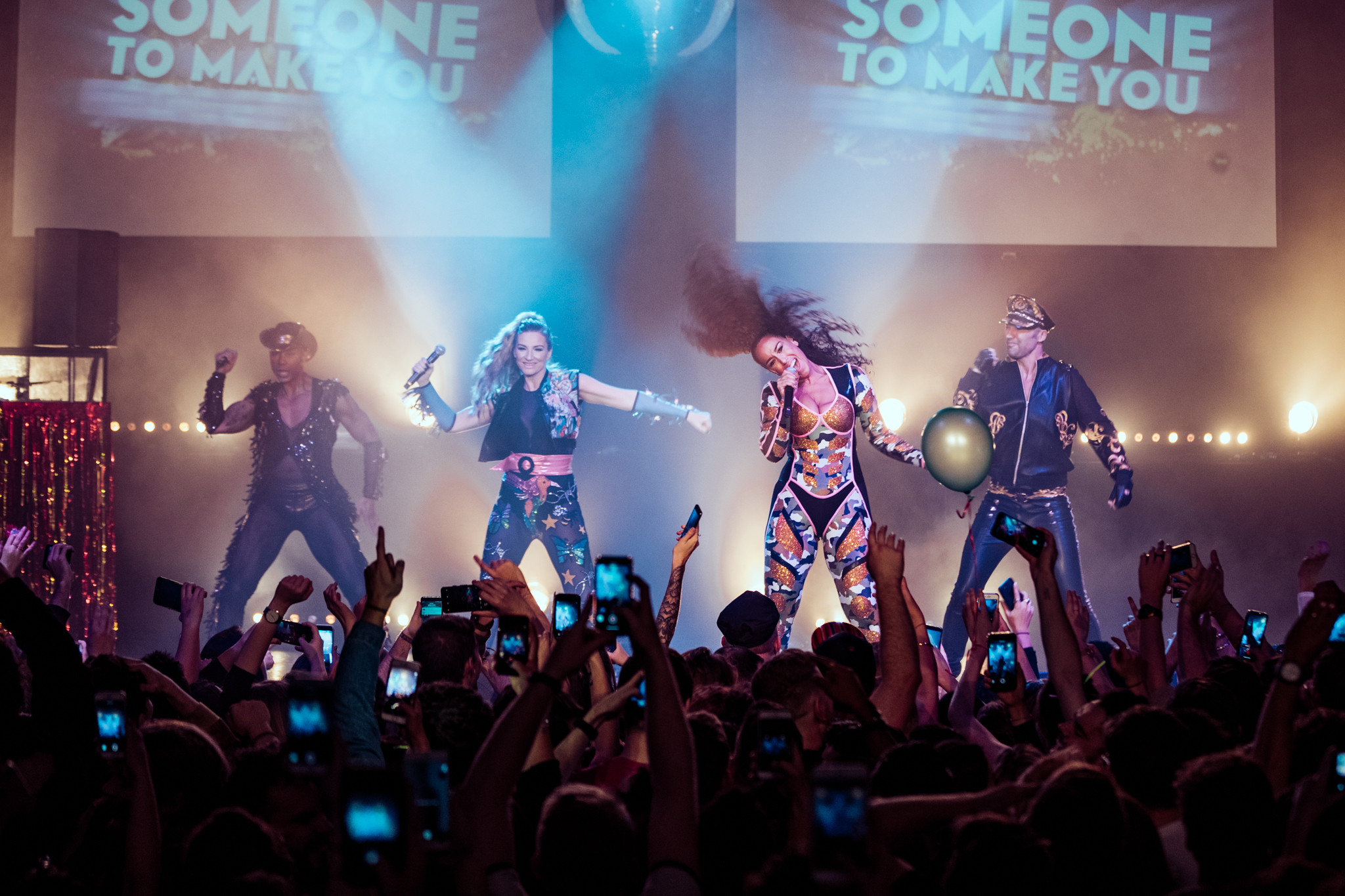 The Grand Goes Pop - B*Witched Live!