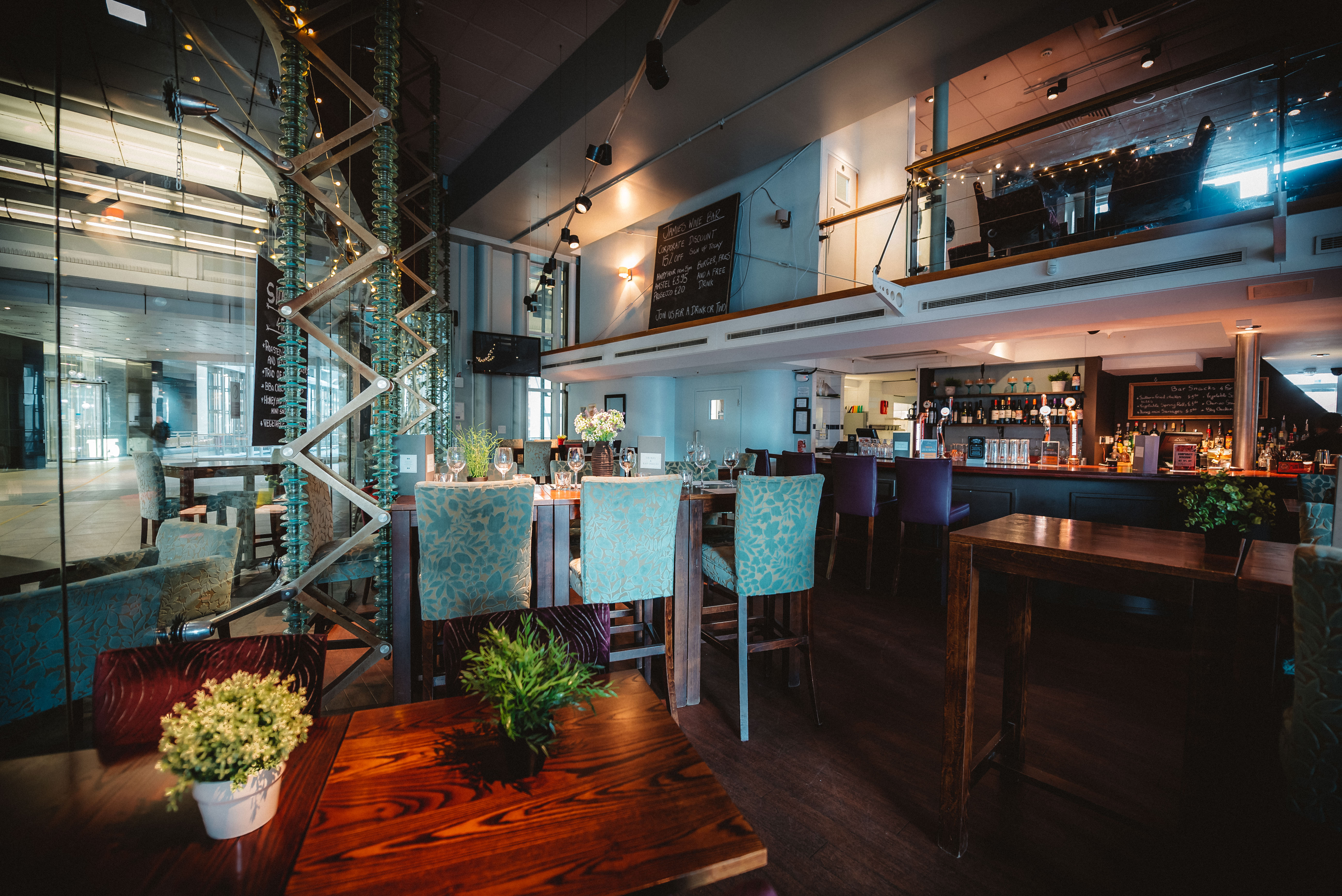 Great Restaurants For Big Groups In London | DesignMyNight