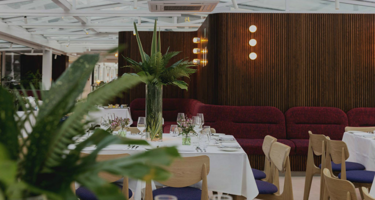 Glass Room Bateaux Review