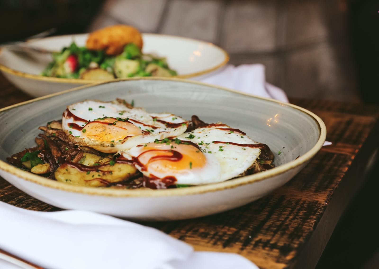 Bottomless Brunch at 'SMITHS'