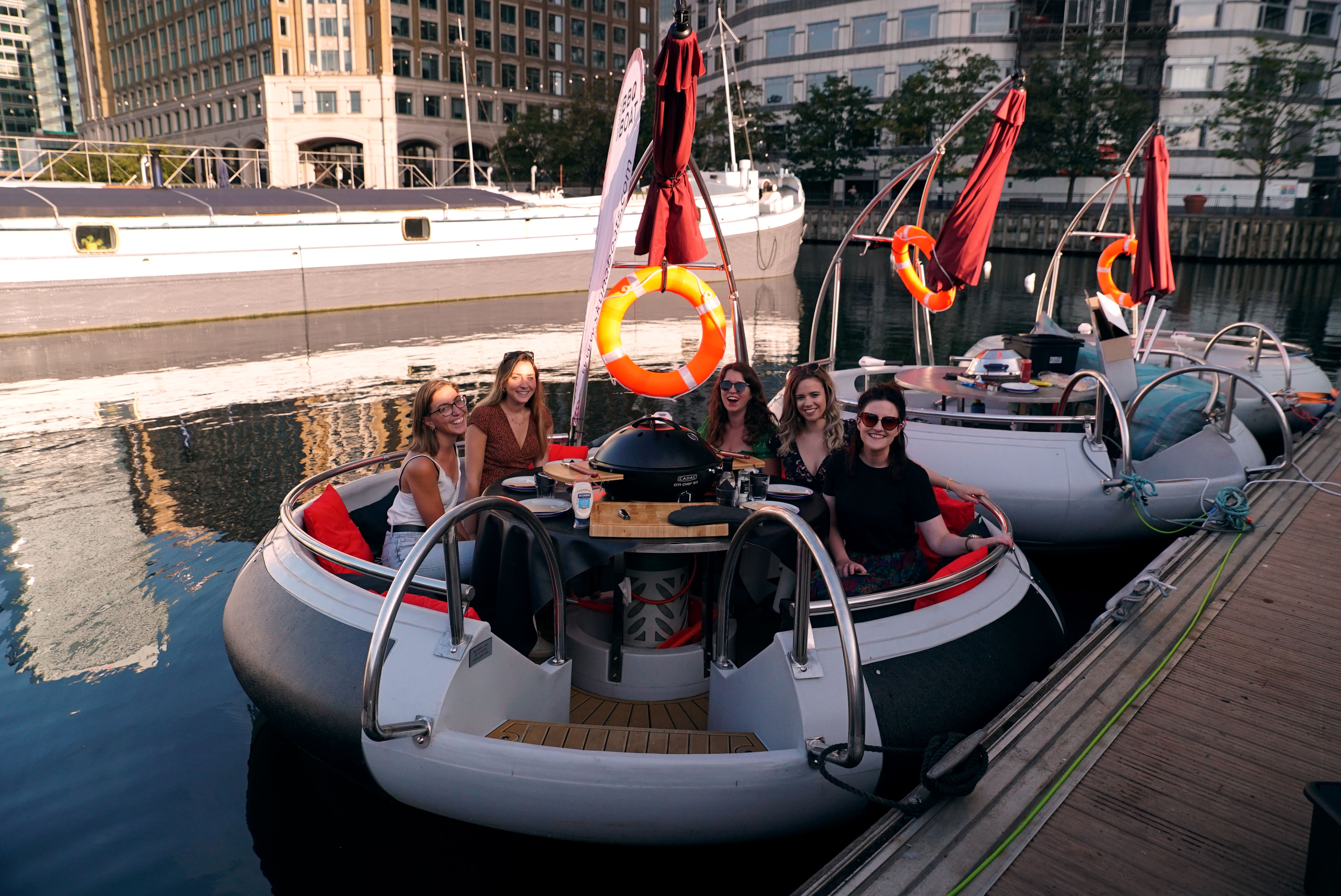 BBQ BOATS - Sail and BBQ the London Docks in Style!