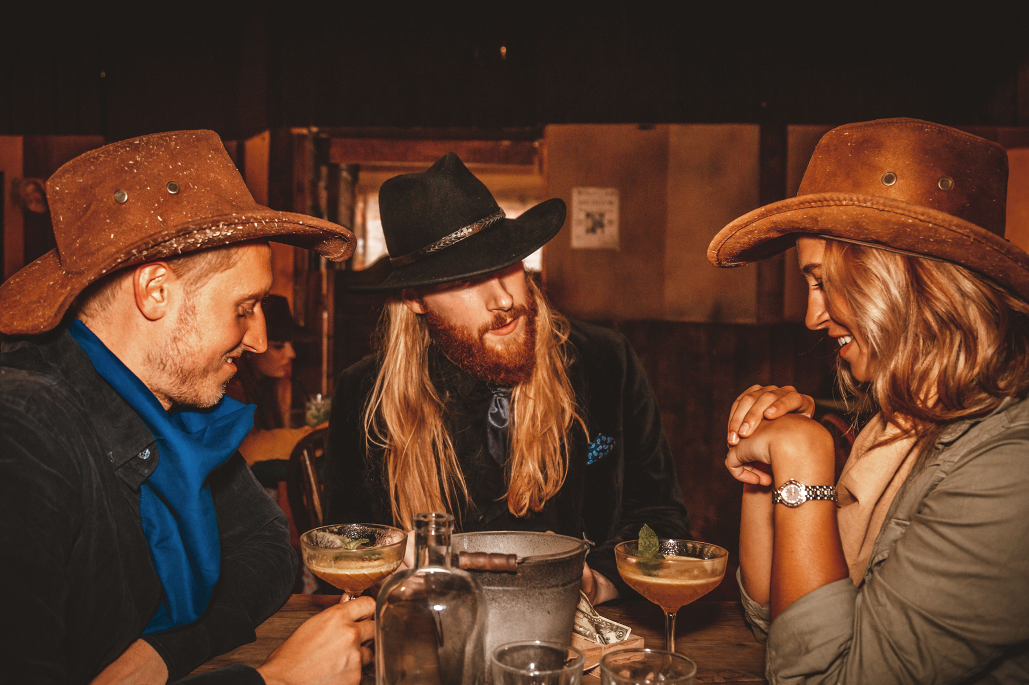 Moonshine Saloon: Western Cocktail Experience