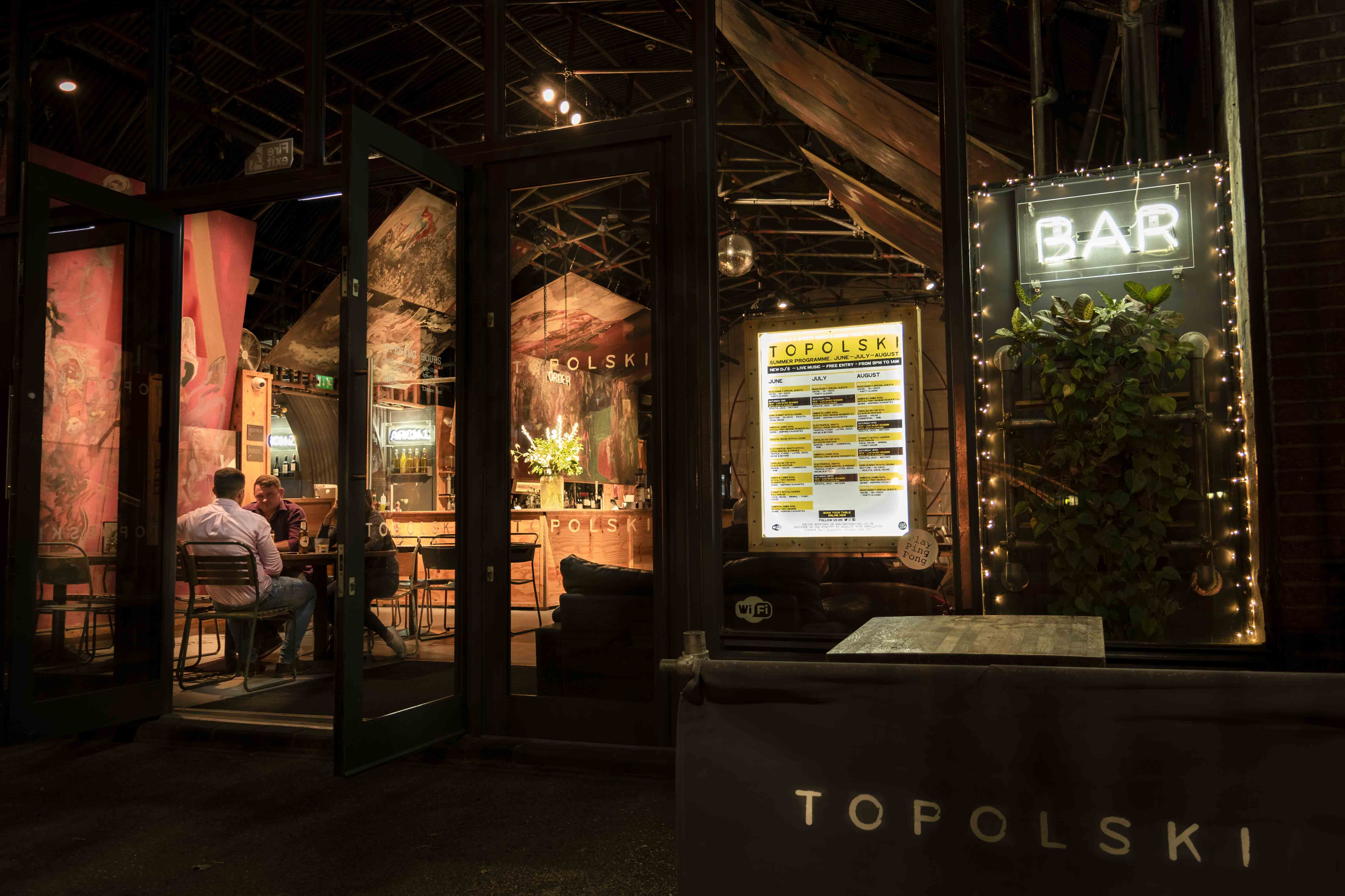 Topolski Gallery and Bar