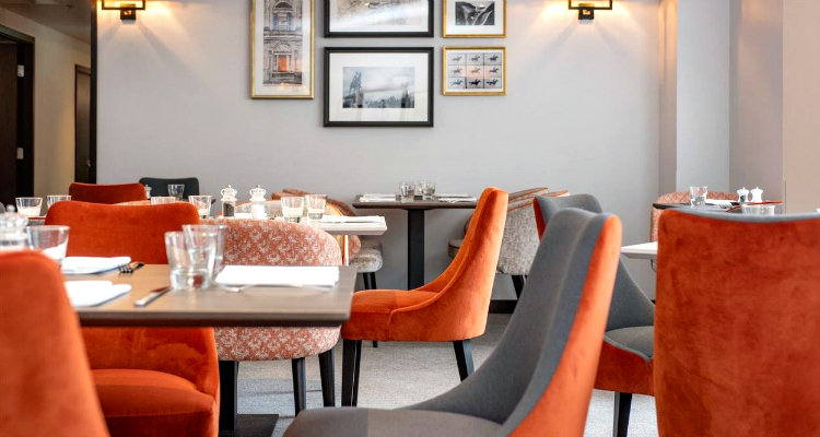 Drinks & Dining at Ten Hill Place Hotel